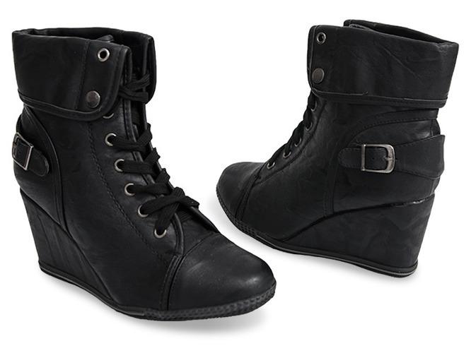 Czarne sandały na słupku Bethany